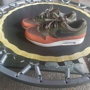 Mens Nike Air Max 1 size 13